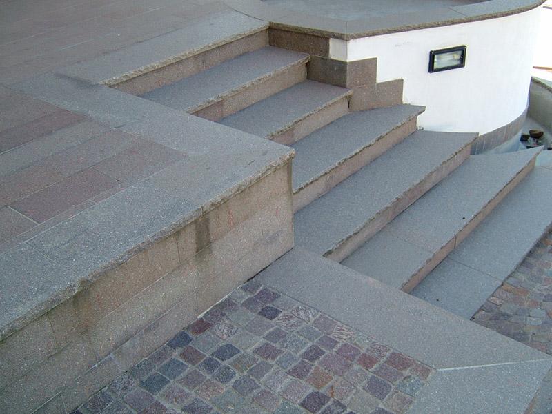 Scale in porfido per esterni scala in pietra piasentina e - Scale per esterni in pietra ...