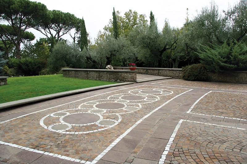 Rosoni in porfido colorato decorazioni in porfido colorato del trentino porfido porfidi roberto - Piastrelle in porfido ...