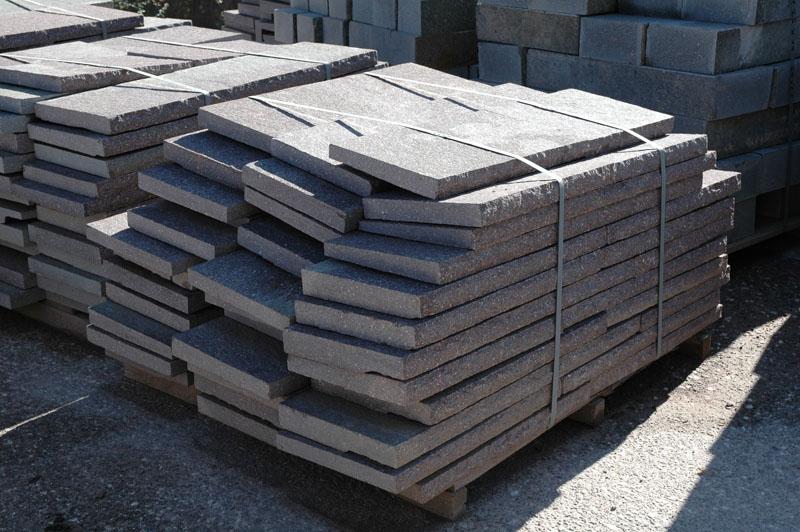 Gradini in pietra serena prezzi decorare la tua casa for Gradini in legno prezzi